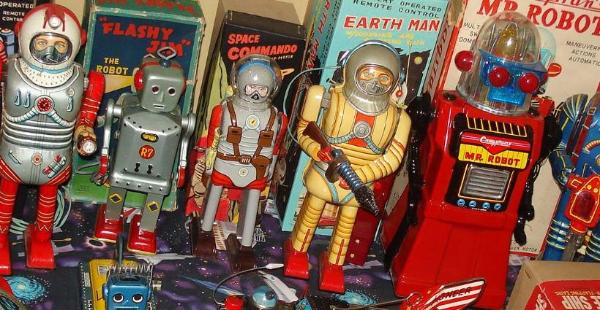 free antique toy appraisals, vintage space robots wanted, Japan tin robots wanted, vintage price guide, buddy l trucks needed,  online japan tin toy appraisal,  buddy l toys robots space toys appraisal,, buddy l trucks cars keystone toy trucks